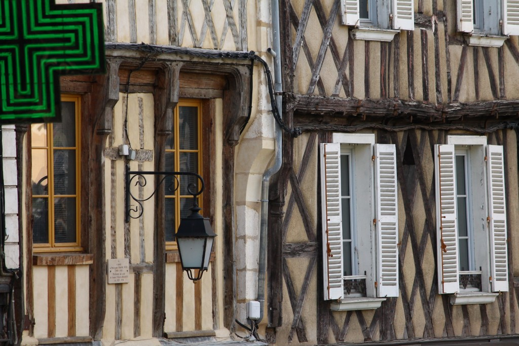 Traits dans Bourges img_5341